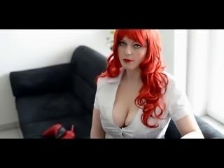 Rothaarige gibt Tipps fuer Live Cam Sex
