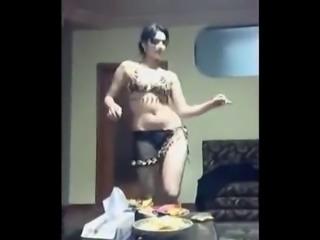 Beurette nous fait une danse