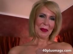 Mature divorcee showing natural pussy free