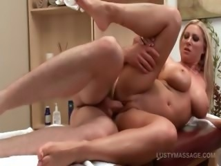 Dirty babe gets slit fucked doggy style by her masseur