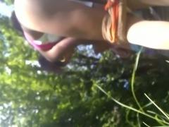 im park mit einer nute