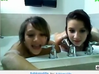 two amateur girls shower free