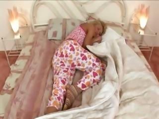 blondie masturbating before a sleep