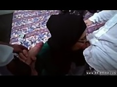 Muslim footjob Desperate Arab Woman Fucks For Money