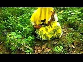 Part 3 Indian Desi Girlfriend in Open Field Village Outdoor Sex In Forest Radhika Bhabhi