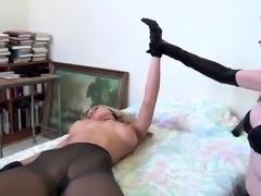 Vanesa toying her tight fuzz box through white nylon nylons