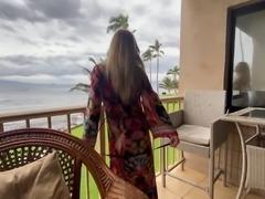 Nikki Peach Public Play fucking herself in Hawaii