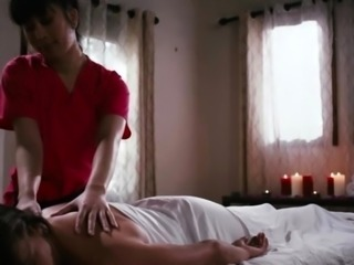 Masseuse gives Customer some pussy licking