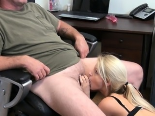 Amateur Babe with Glasses Has Some Hardcore XXX