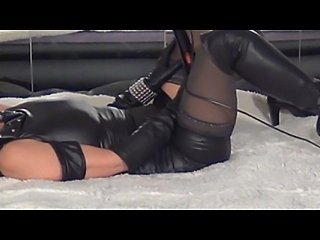 leather babe lusting
