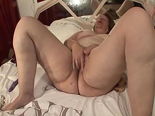 Mature big ass solo