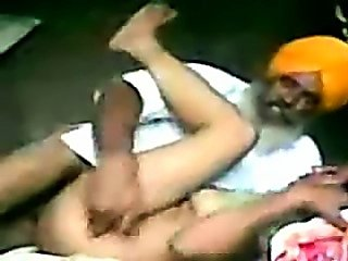 Indian Truck Driver Fucking her Girlfriend in secretly
