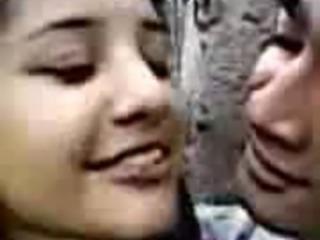 BHOPAL INDIAN SONAGIRI COLLEGE KISSING