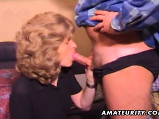 A mature amateur housewife gives a full blowjob with cumshot in her mouth !...
