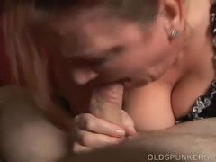 Gorgeous mature plumper gives a great blowjob and swallows cum