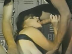 Lisa de Leeuw & John Holms - Aching Jaws