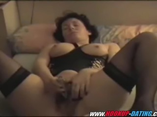 Brunette mature hairy amateur milf masturbating