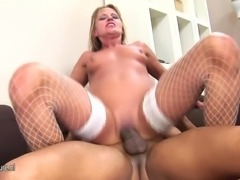 Mature slut shaving cunt