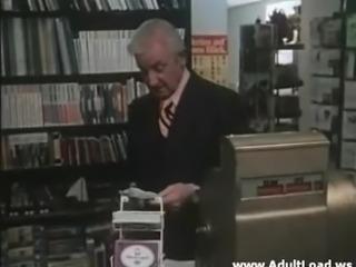 Hoffmann und Sohne (The Pleasure Shoppe)(La Nipote preferita dal
