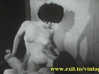 Unique amateur Vintage from 1948 ! Couple in sixtynine. He cums 2 times i her...