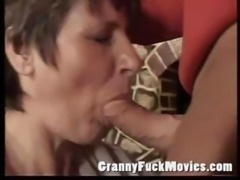 Old slut sucking dick
