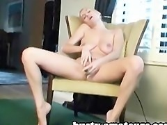 Hot babe Autumn fingering and toying