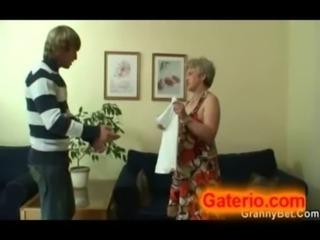 Abuela Mayor Desnuda y Follando ... free