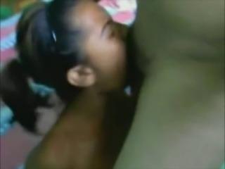 Tetona de Nicaragua mamando verga!