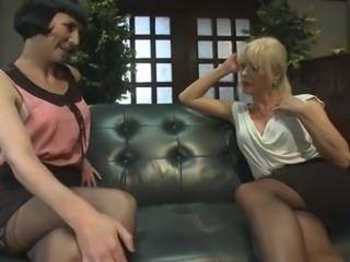 Mature Joanna Jet fucks with woman
