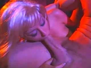 Hot threesome action featuring gorgeous porn star Jill Kelly