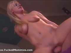 Ultra sexy platinum blonde MILF hottie getting pussy licked gives blowjob and...