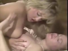 Hometown Honeys Lesbian scene