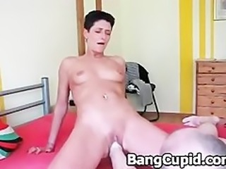 Kinky babe gets her tight pussy fisted