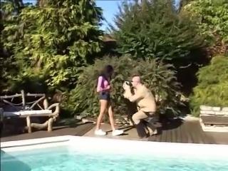 Бесплатная видео-порнуха на тему Французские подростки анал .