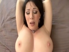 Rayveness - Hot MILF gives all  ... free