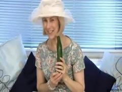 Mature housewife fucks a cucumber free