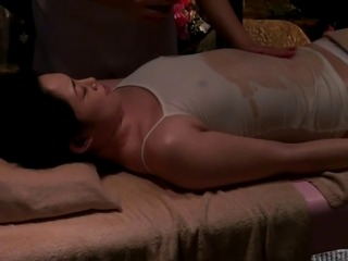 Lesbian Oil Massage Luxury Married 07c (censored)