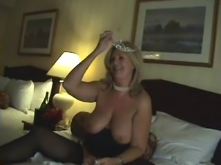 Hot Older Cougar Gets Pussy Juice by TROC