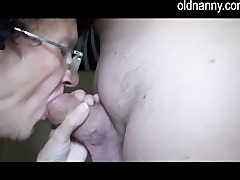 Old mature and young girl doing blowjob and handjob