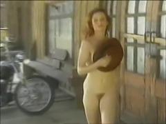 Monique Parent Striptease