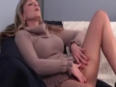 Blonde mature pleasing twat in close-up free