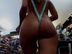 Pornoshop Gangbang free