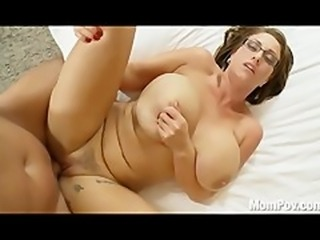 Busty Eva Notty behind the scenes