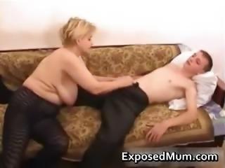 Elegant mom in negro pantyhose worships part3
