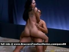 Amateur naked brunette chick on ... free