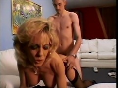 Sammie Sparks fucks a younger guy free