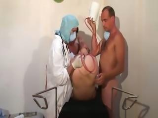 Enema Scene-Cinq doigts dans le cul d'une patiente [telsev]