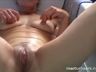 Housewife Mom and Granny from Belgium. A sunday afternoon all for myself. Its bathing time. Pussy wide open. Fingering and toying myself till I cum. You like what you see ?