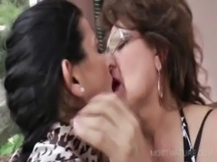 3some with mature licking hot boobs free