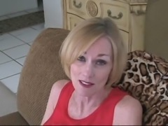 milfsonly.blogspot.com-Mature Blonde Shows Guy How To Jack free